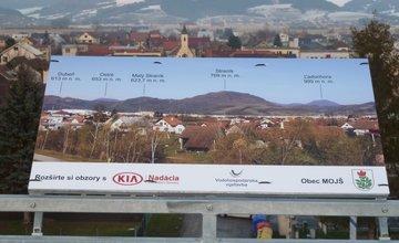 FOTO: Na vyhliadke na Vodnom diele v Žiline pribudli aj informačné tabule s okolitými vrchmi