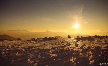 Sviatočný východ slnka na Stohu v Malej Fatre