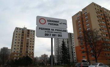 Spoplatnenie parkovania na ulici Javorová na sídlisku Solinky