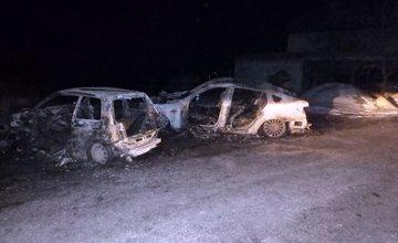 Požiar dvoch osobných áut v obci Belá 20.2.2018
