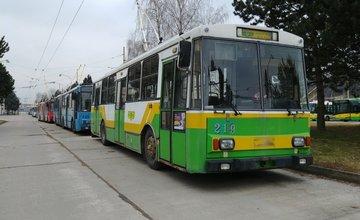 Dopravný podnik mesta Žiliny ponúka na odpredaj staré trolejbusy