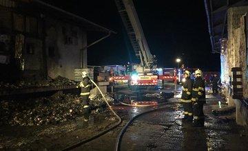 Požiar v areáli spoločnosti Libex v Považskom Chlmci - 4.4.2018
