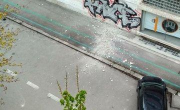 Padajúca omietka z budovy bývalých elektrární v Žiline