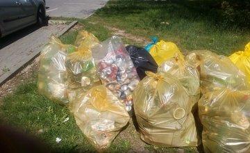 FOTO: Dobrovoľníci čistili odpadky aj na Vlčincoch v priestoroch za Billou