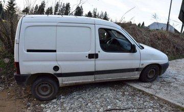 Odcudzenie dvoch áut s kľúčmi v zapaľovaní na Orave