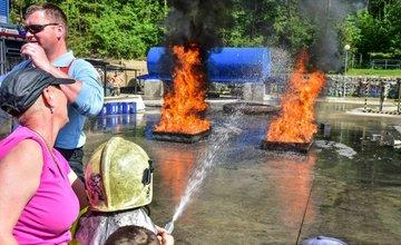 Hasiči priblížili svoju prácu takmer 250 deťom, ktoré prišli na DOD v SOŠ požiarnej ochrany v Žiline