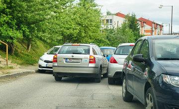 Požiadavka na zjednosmernenie Petzvalovej ulice na Hájiku