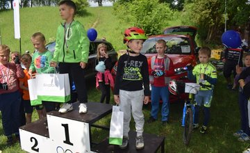 Malí aj väčší cyklisti si zmerali sily na 1. ročníku detských cyklopretekov v Bytči pri kaplnke