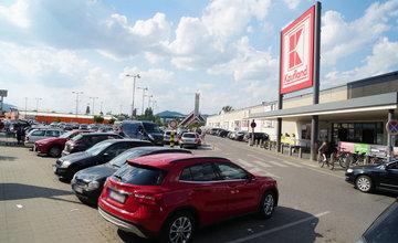Parkovisko pri Kauflande v Žiline