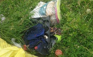 Neporiadok okolo smetných košov v Dlhom Poli