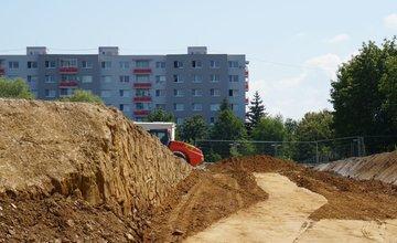 FOTO: Polyfunkčný komplex Rudiny II medzi sídliskom Hliny a Solinky je vo výstavbe