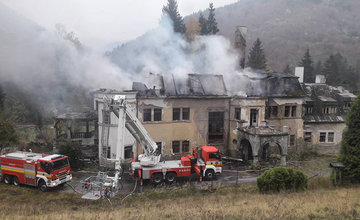 Požiar zámku v Kunerade 20.10.2018