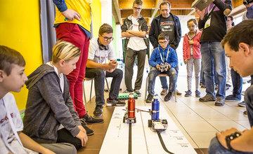 Súťaž v robotike RoboRAVE a festival vedy a techniky AMAVET na Žilinskej univerzite