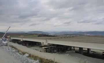 NDS zverejnila októbrové fotografie z výstavby úseku D1 Lietavská Lúčka - Višňové