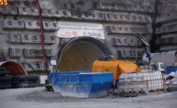 FOTO: Premiér aj minister vyslovili nespokojnosť s prebiehajúcimi prácami na výstavbe D1