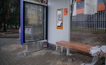 FOTO: Vysoko umiestnené automaty na cestovné lístky MHD