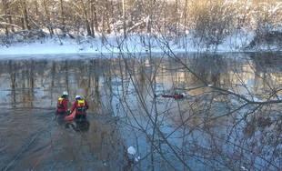 Cvičenie hasičov z Čadce na rieke Kysuca a vodnej nádrži Horný Vadičov