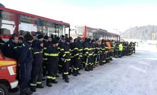 FOTO + VIDEO: Na Orave zasahuje takmer 300 hasičov, stovka dorazila z Prešovského kraja