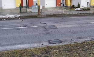 Výtlky na ulici Mateja Bela na sídlisku Hájik 12.2.2019