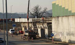 FOTO: Práce na stavbe diaľničného privádzača po zime opäť obnovili
