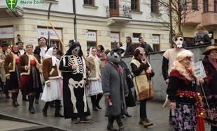 FOTO: Centrum mesta Žilina dnes ožilo karnevalovým sprievodom