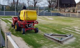 Výmena umelého trávnika na školskom ihrisku v mestskej časti Žilina - Trnové