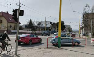 Križovatka ulíc Hálkova a Veľká okružná prejde v sobotu 23. marca zmenami