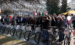 FOTO: V Žiline bol spustený systém verejného zdieľania bicyklov BikeKIA