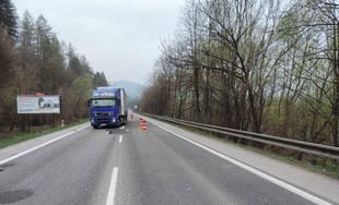 Dopravná nehoda kamióna a chodca pred Kysuckým Novým Mestom 10.4.2019