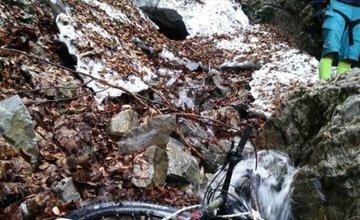 Pomoc dvom cyklistom v Malej Fatre, ktorí nevedeli pokračovať z Lipnerovej rizne
