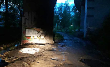 Neznáma osoba znečistila povodie potoka Frambor pod žilinskou estakádou