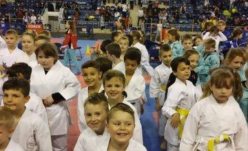 FOTO: Mladí žilinskí karatisti priviezli z Popradu tri majstrovské tituly a nový klubový rekord