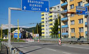 FOTO: Na okružnej križovatke Rondel bola zavedená obojsmerná premávka