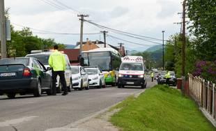 V Zádubní havaroval autobus MHD, zranených je niekoľko ľudí
