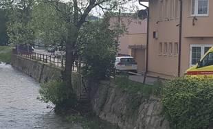 Pátranie po mužovi, ktorý spadol do rieky Rajčanka 26.5.2019