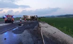 AKTUÁLNE: Cesta 1/65 v obci Karlová v okrese Martin je z dôvodu vážnej nehody uzavretá