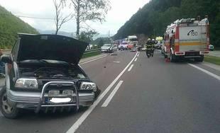 FOTO: Pri Kraľovanoch došlo k vážnej nehode, kolóna siaha až po diaľnicu D1