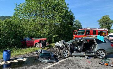 AKTUÁLNE: Cesta medzi obcami Belá a Stráža je uzavretá, pri dopravnej nehode zasahuje aj vrtuľník