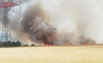 FOTO: Požiar poľa s obilím v obci Sučany 8.7.2019