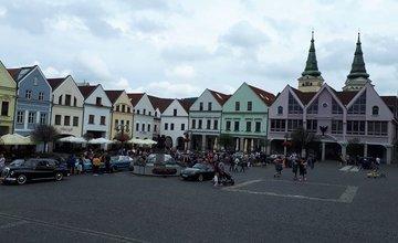 FOTO: Na Mariánskom námestí v Žiline sa počas víkendu predviedli veterány