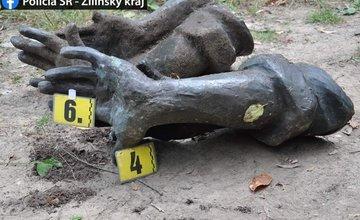 FOTO: Odcudzené ruky zo sochy na vrchu Javorina našli v mestskej časti Žilina - Brodno