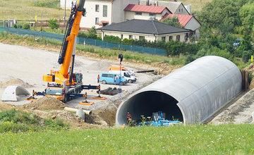 FOTO: Ako napredujú práce na stavbe diaľničného privádzača z Lietavskej Lúčky do Žiliny