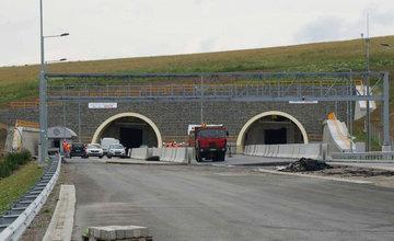 FOTO: NDS zverejnila aktuálne fotografie z úseku diaľnice Hričovské Podhradie - Lietavská Lúčka