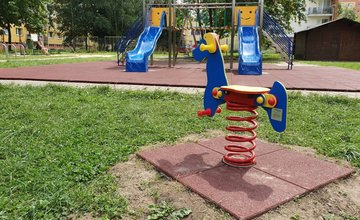 FOTO: Zrekonštruované detské ihriská v Žiline
