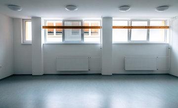FOTO: Žiakov Hotelovej akadémie v Žiline čaká v septembri prekvapenie - zrekonštruovaná telocvičňa