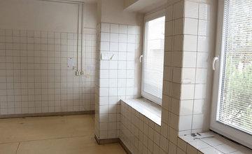 FOTO: Žilinská nemocnica rekonštruuje priestory nemocničnej lekárne, pacientov čakajú novinky