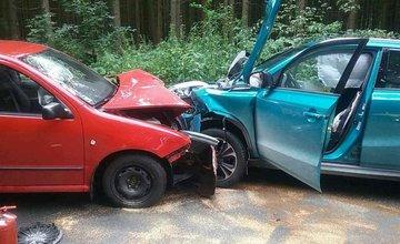 FOTO: Na Orave došlo k ďalšej vážnej nehode, pri čelnej zrážke sa zranilo až šesť osôb