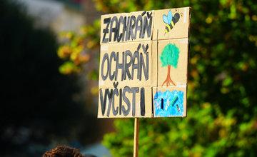 FOTO: Na klimaštrajku v Žiline žiadali klimatickú spravodlivosť pre všetkých