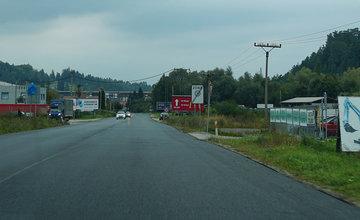 FOTO: Na ceste 1. triedy medzi obcami Lietavská Lúčka a Porúbka pokladajú nový asfalt