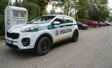 Neznámy páchateľ opäť poškodzoval pneumatiky zaparkovaných áut na ulici Osiková